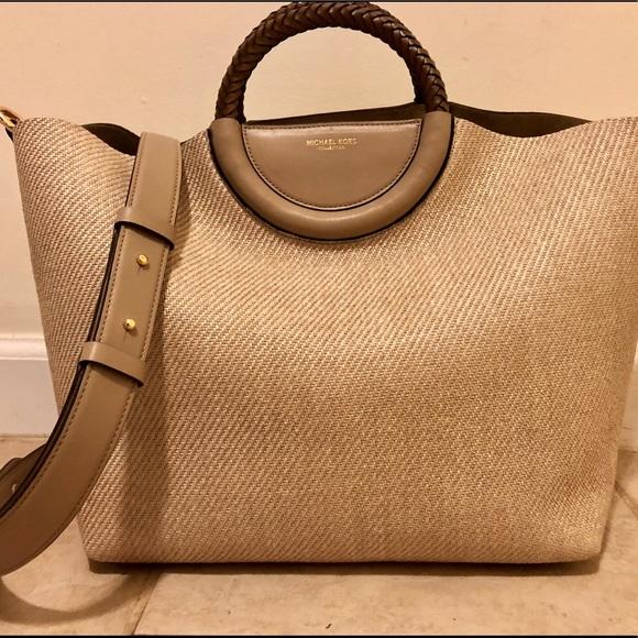 Michael Kors Collection Scorpios Market Bag. M 5afe0f5d31a37660790cd873 9d79488fce3b3